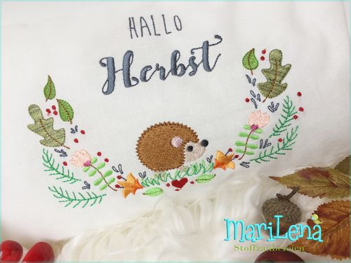 HELLO FALL Hedgehog SET saying
